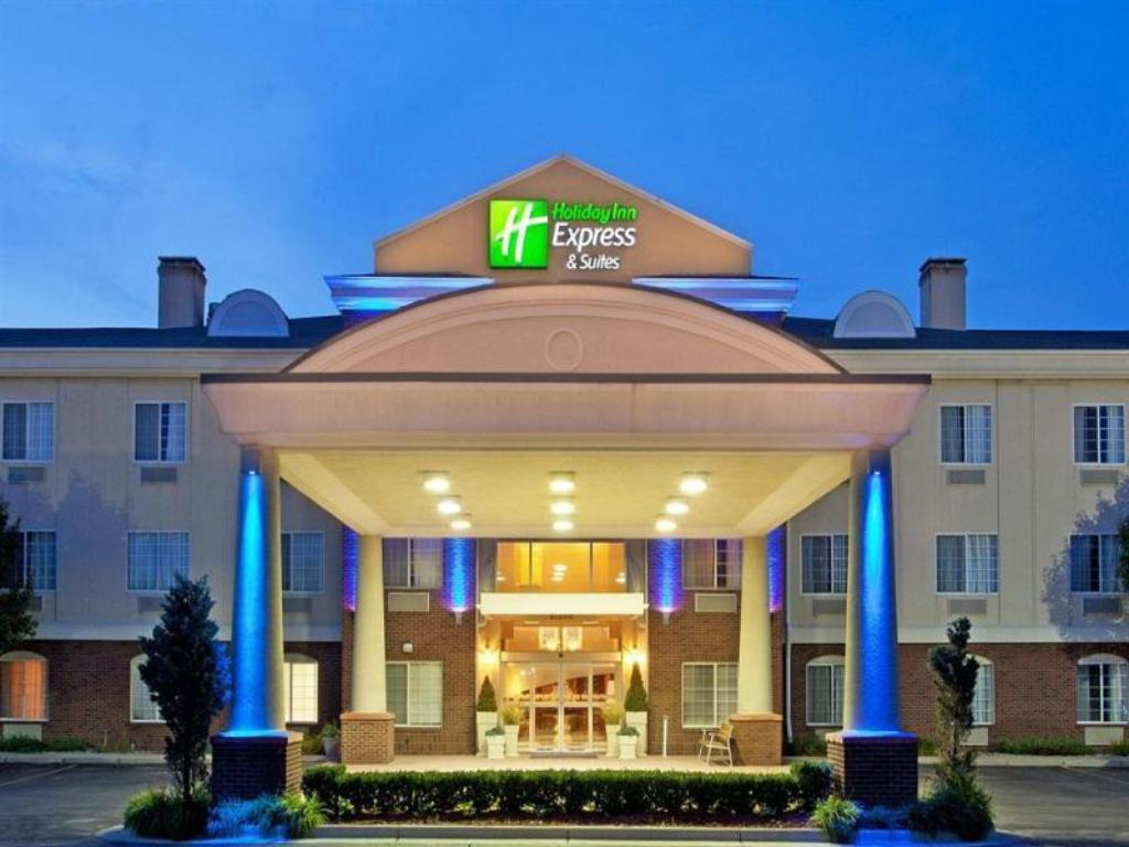 Best Price On Holiday Inn Express Hotel Suites Woodhaven In Mi Reviews