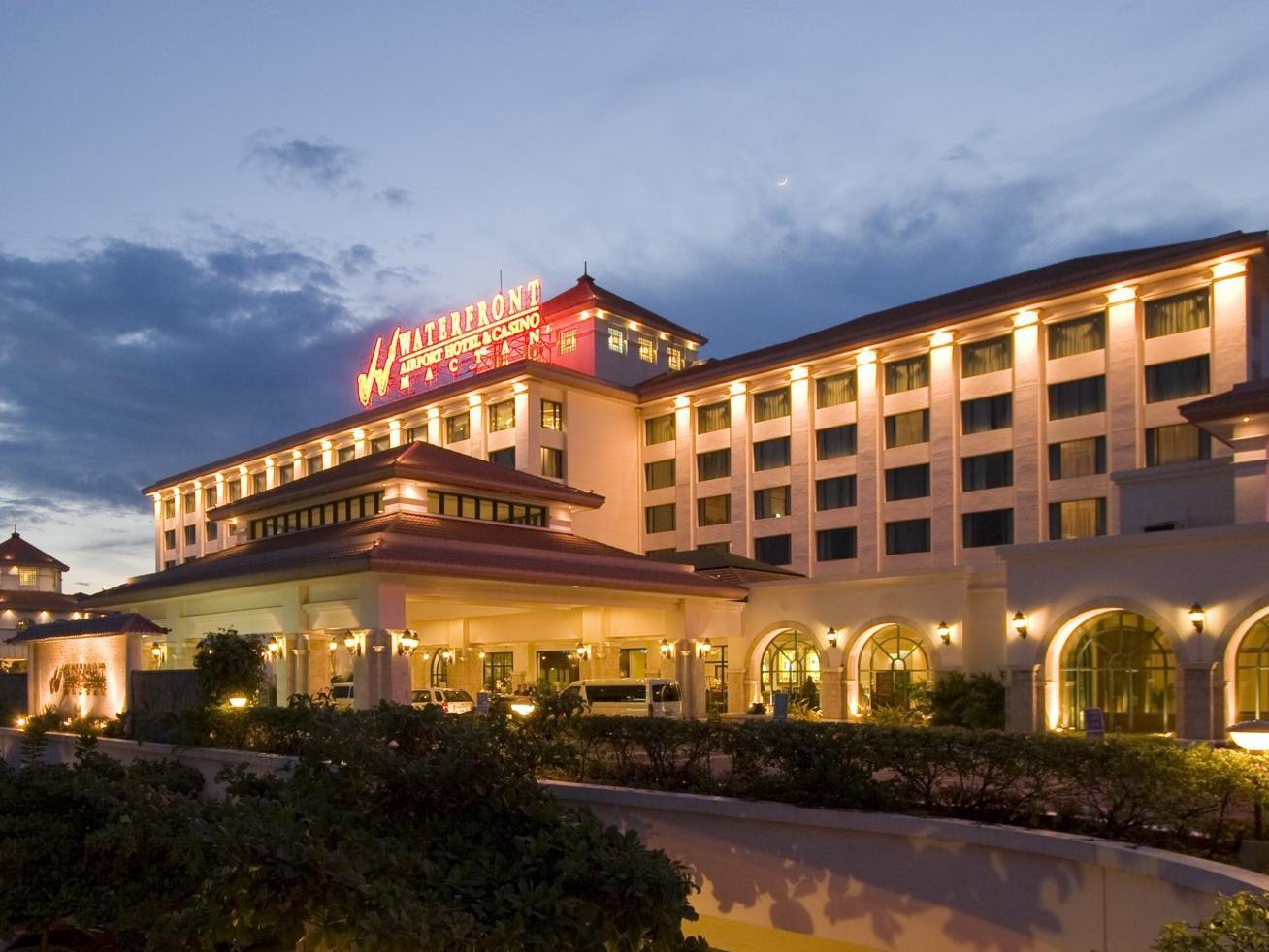 Waterfront hotel and casino diamond casino cruise