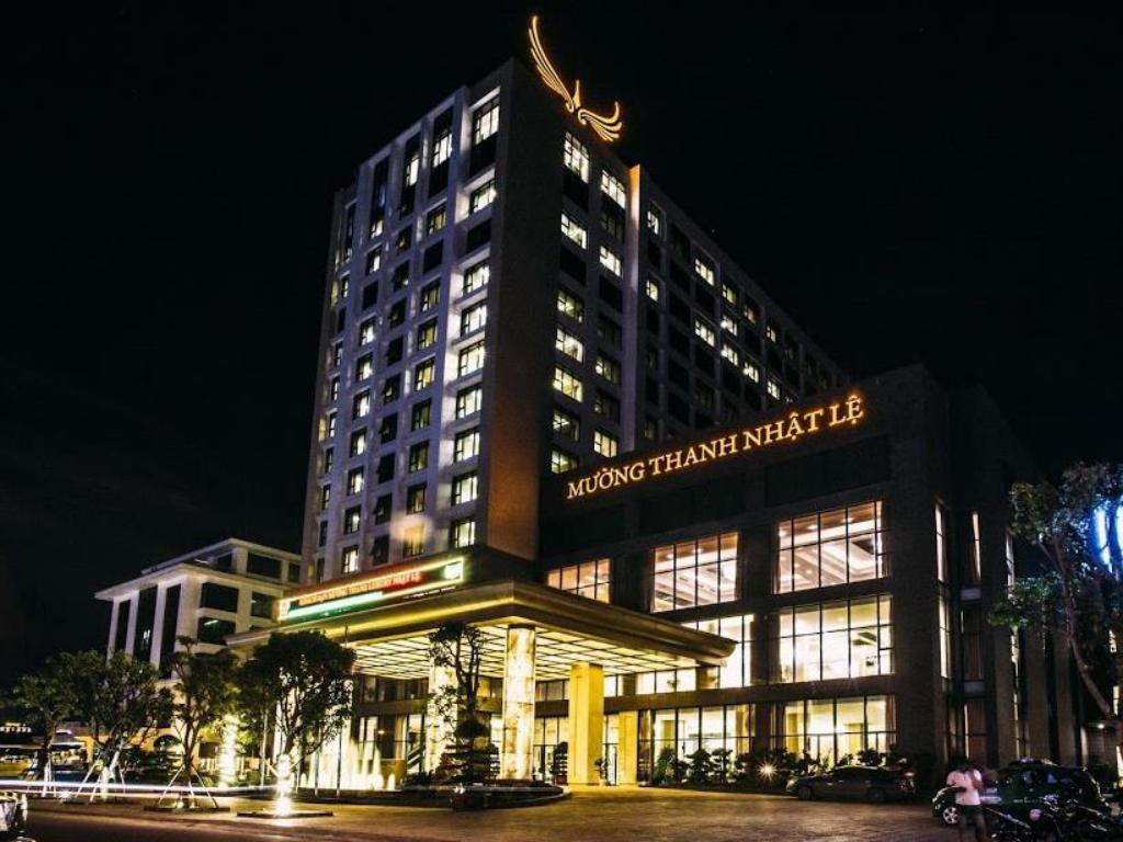 Best price on muong thanh luxury nhat le hotel in dong hoi for Best value luxury hotels