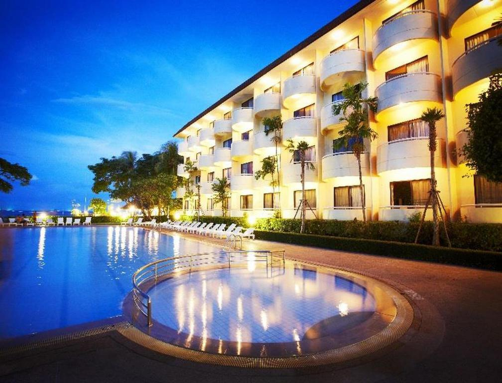 Best Price On Beach Garden Hotel Hua Hin Cha Am In Reviews