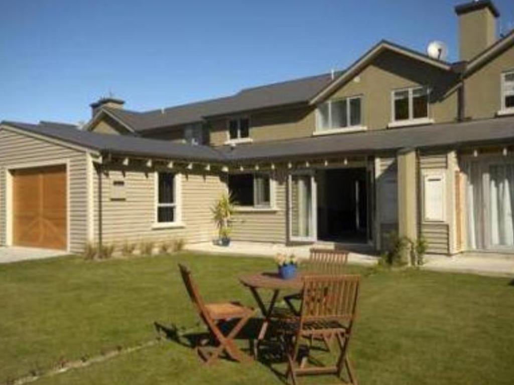 best price on arrowfield apartments in queenstown + reviews