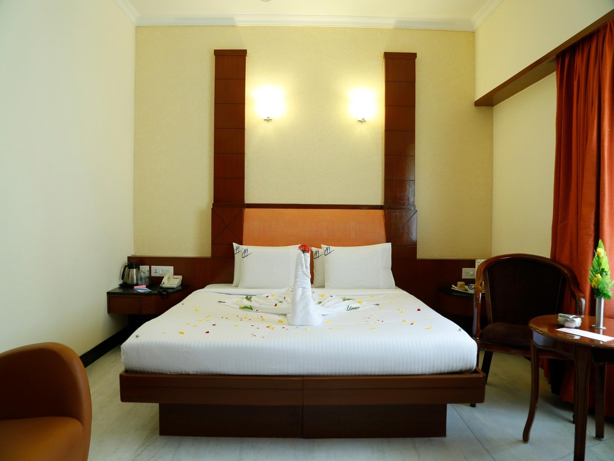 Best Price On Hotel Chennai Deluxe In Chennai Reviews # Plasma De Luxe