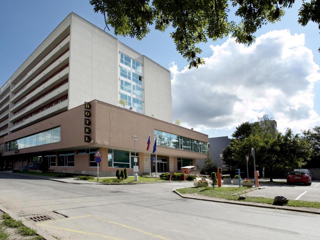 More About Avanti Hotel Brno
