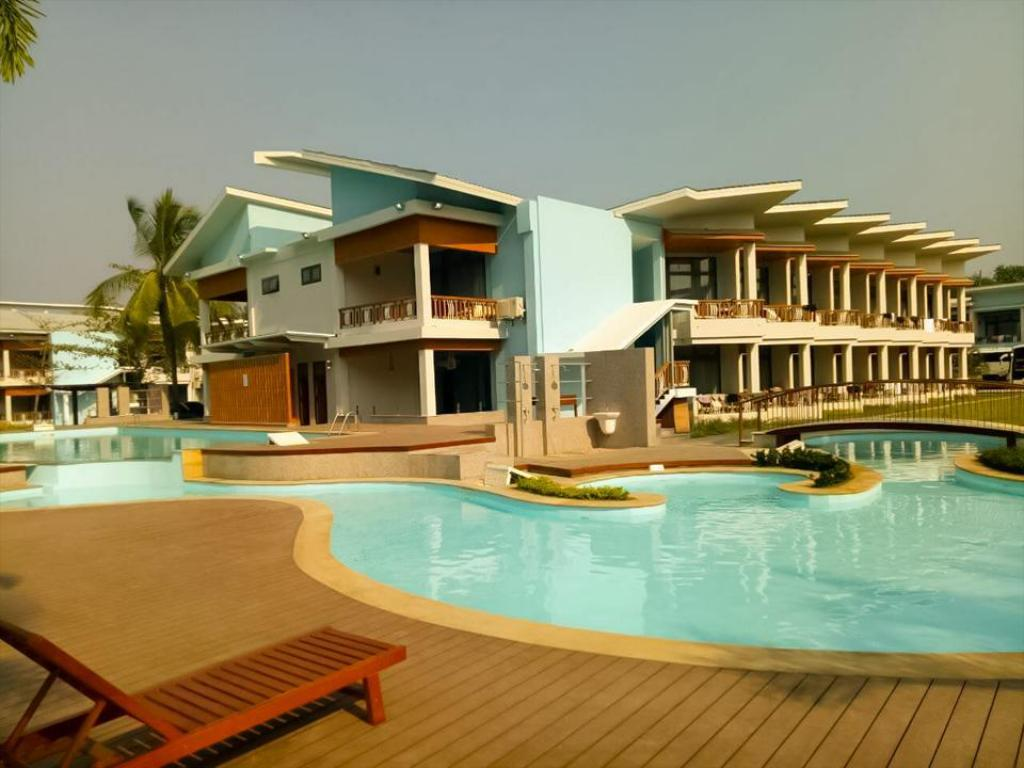 Best Price on AZURA Beach Resort in Chaungtha Beach + Reviews!