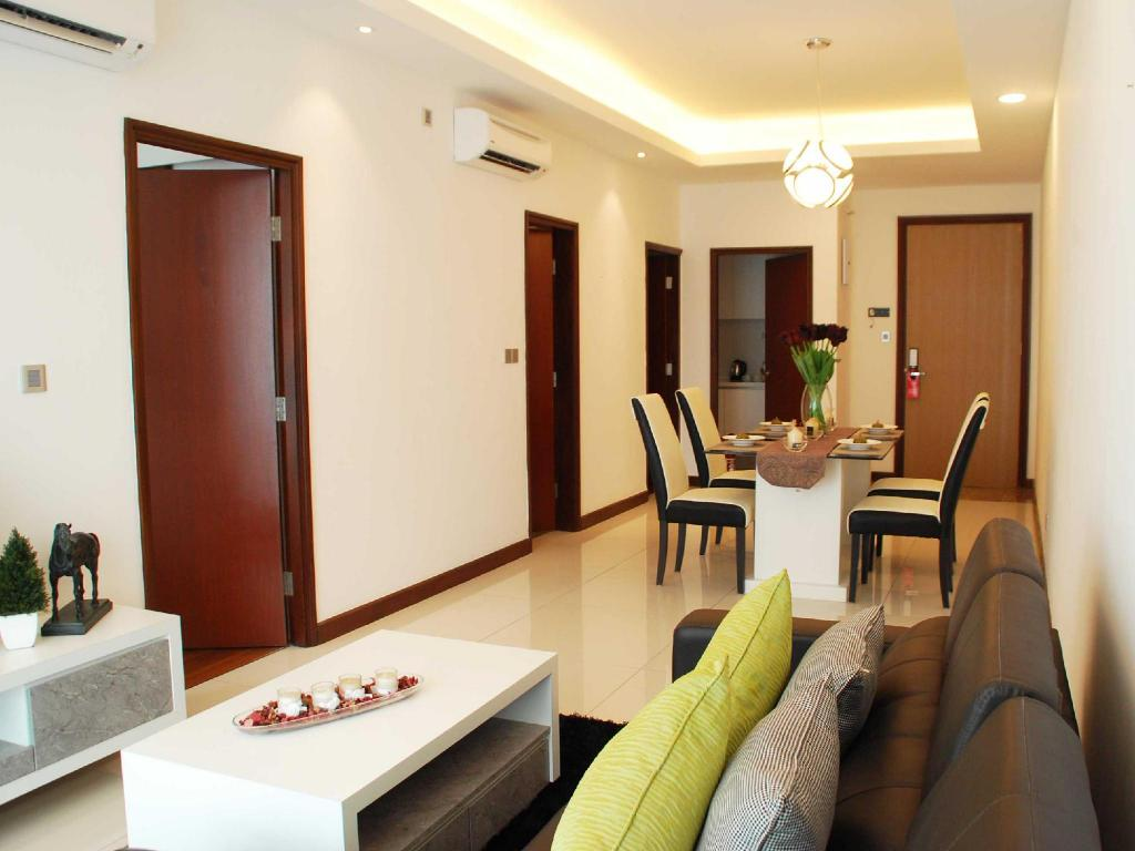 Best price on paragon serviced suites straits view in for Door design johor bahru