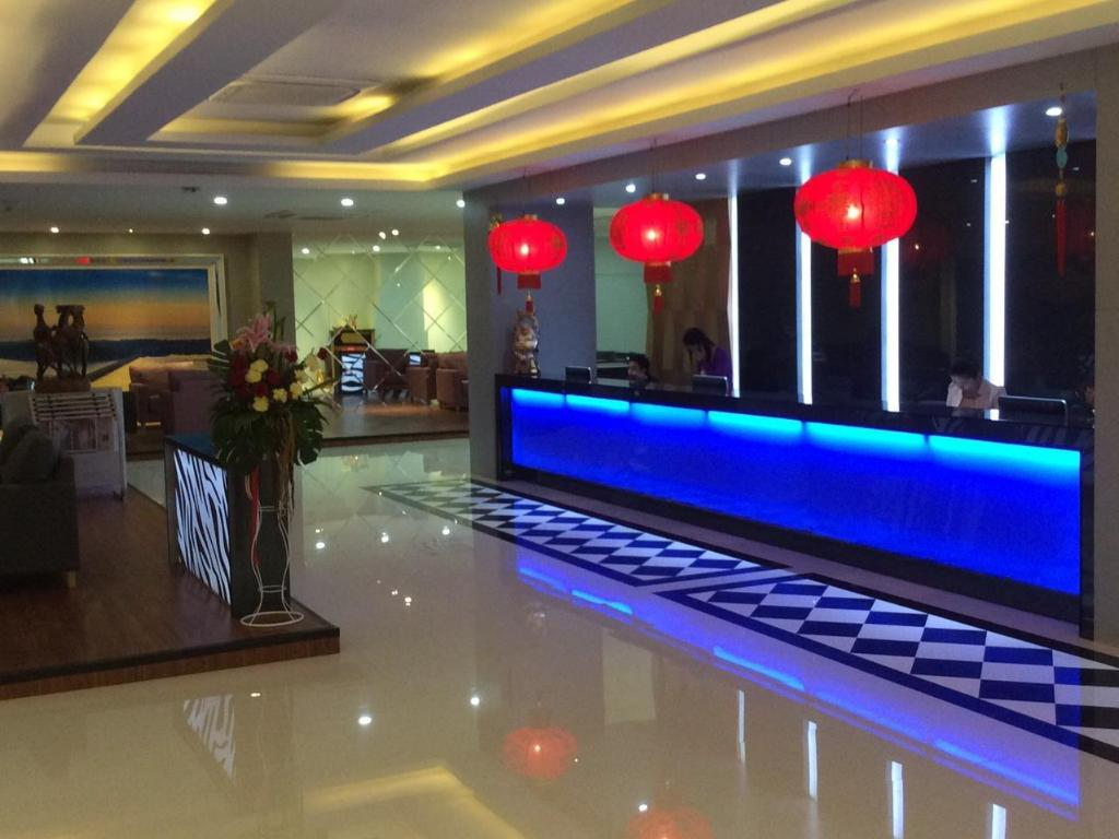 best price on grand pink hotel in hat yai + reviews