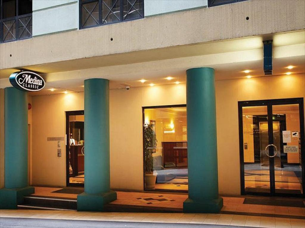 Best Price on Adina Serviced Apartments Sydney Martin ...
