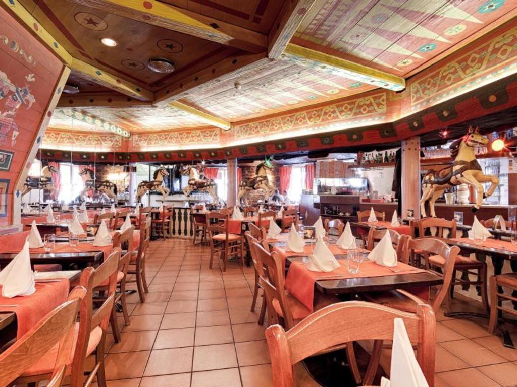 Best price on hotel restaurant resslirytti in basel reviews for Hotel restaurant