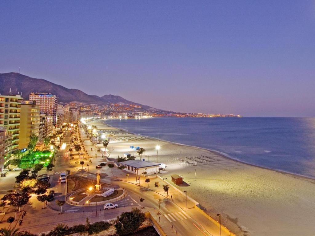 Best price on hotel apartamentos pyr fuengirola in fuengirola reviews - Apartamentos pyr fuengirola ...