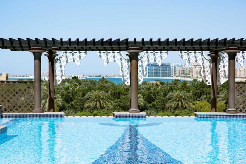 Best price on arjaan by rotana dubai media city in dubai - Dubai airport swimming pool price ...