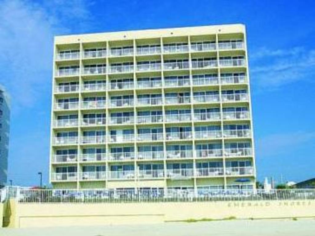 Best Price on Emerald Shores Hotel - Daytona Beach in Daytona Beach ...