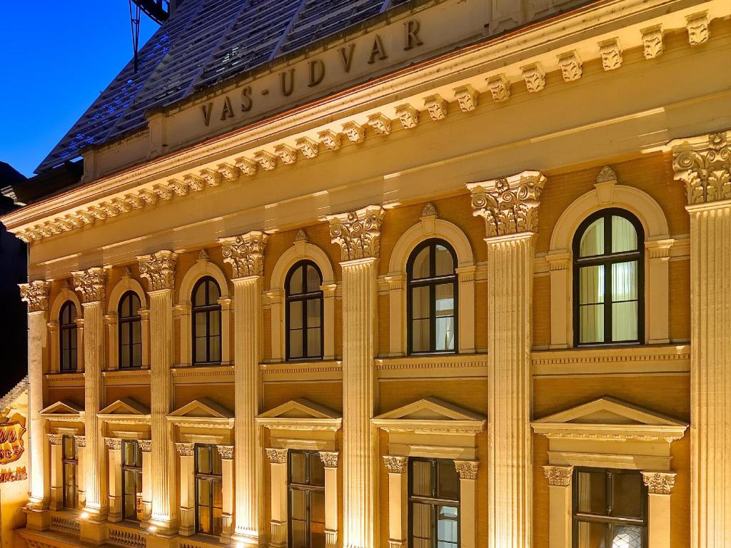 Best Price on Millennium Court - Budapest - Marriott ...