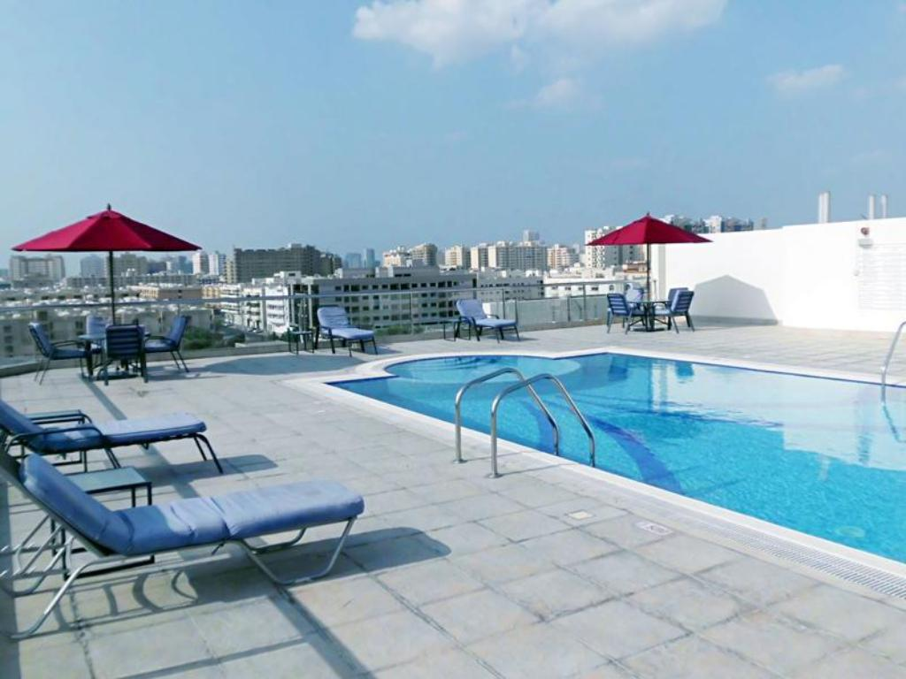 Best price on fortune classic hotel apartments in dubai reviews for Dubai airport swimming pool price