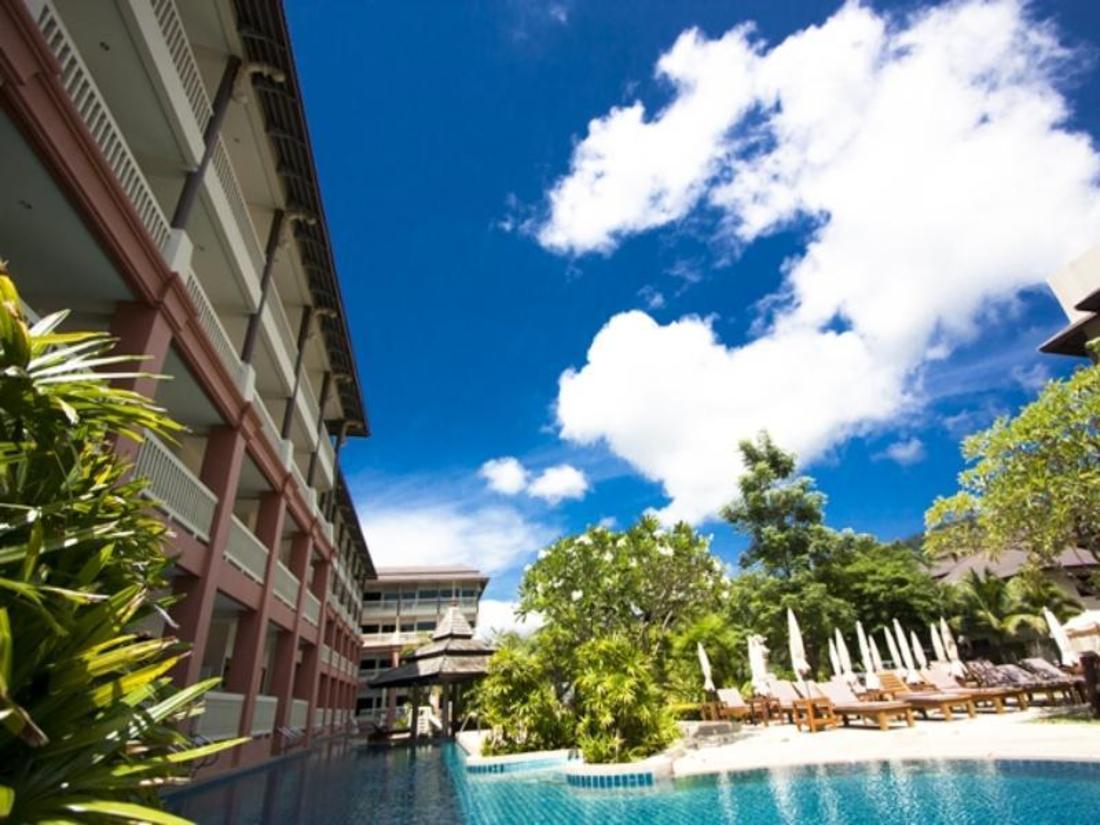 普吉岛卡达海风度假村 Kata Sea Breeze Resort Agoda 网上最低价格保证,即时订房服务