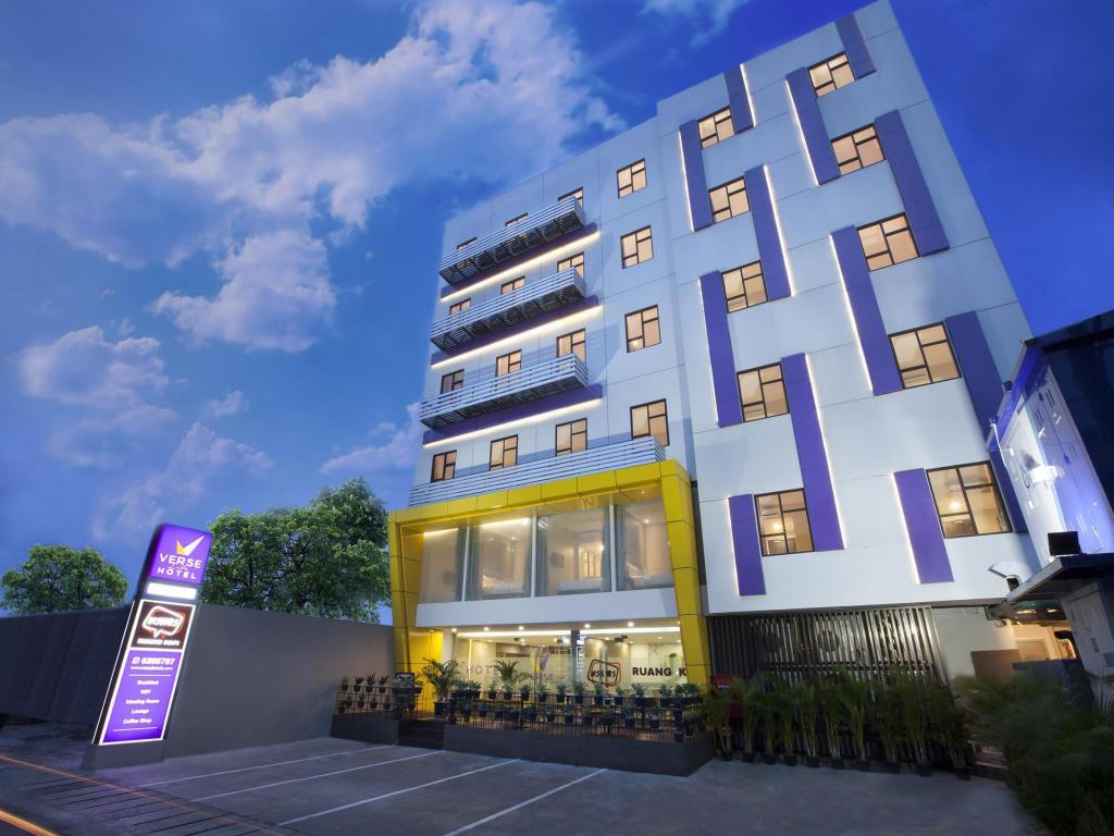 More About Verse Lite Hotel Pembangunan
