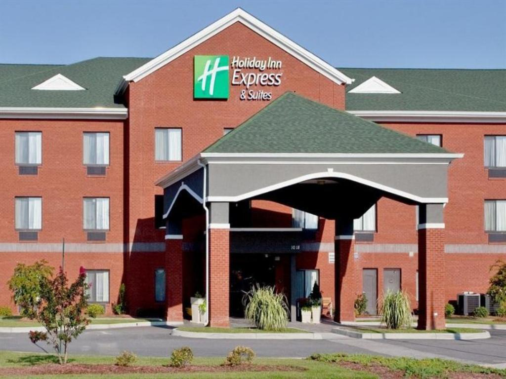 More About Holiday Inn Express Hotel Suites Suffolk