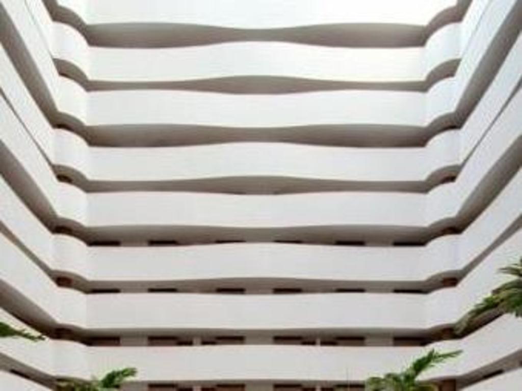 Best price on hotel best western suites le jardin caldas for Best western jardin