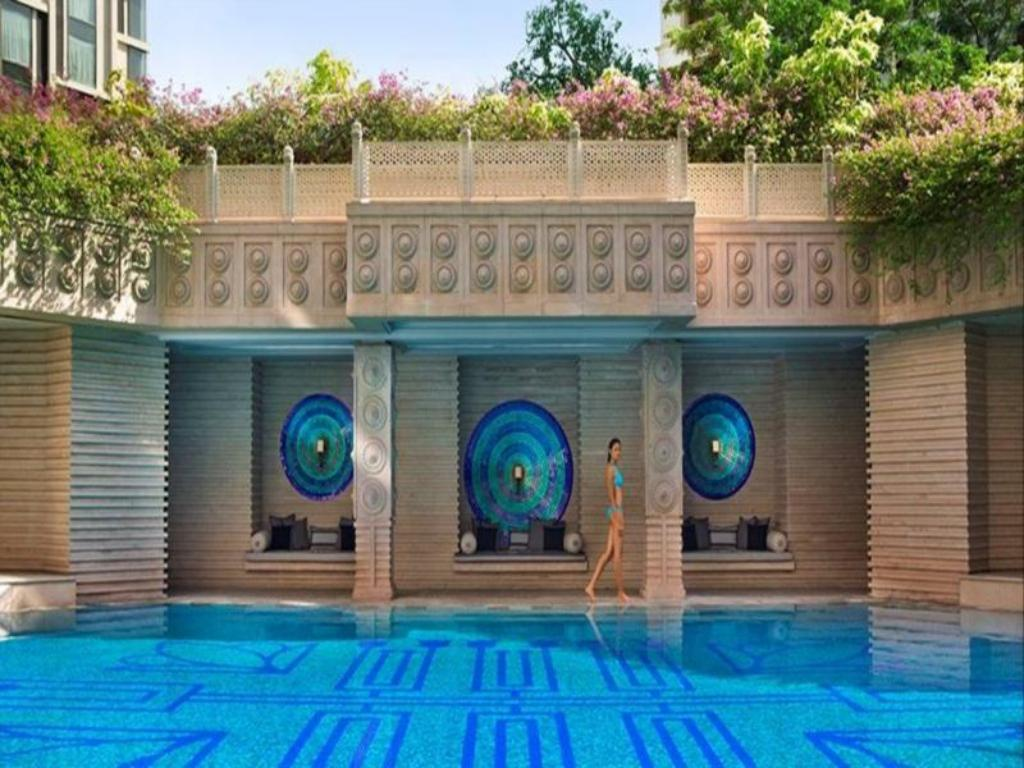 Courtyard hyderabad in india room deals photos reviews for Swimming pool maintenance in hyderabad
