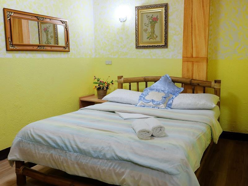 Single Bed Hotel Room Caticlan