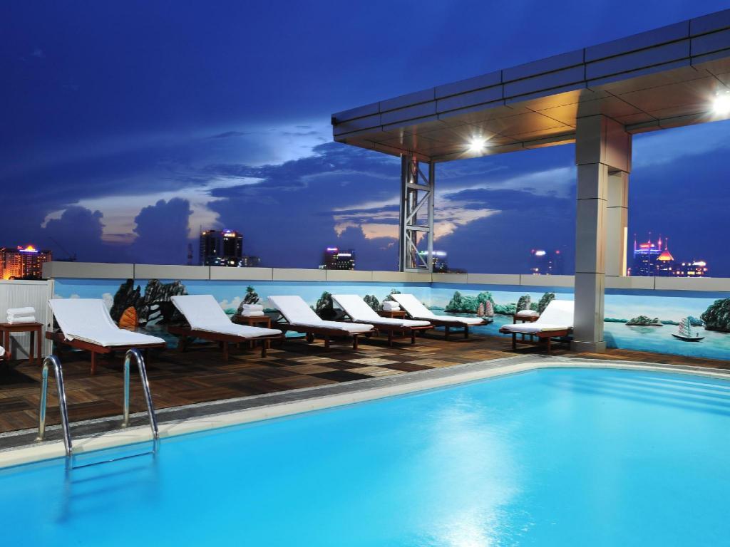 More About Golden Central Hotel Saigon