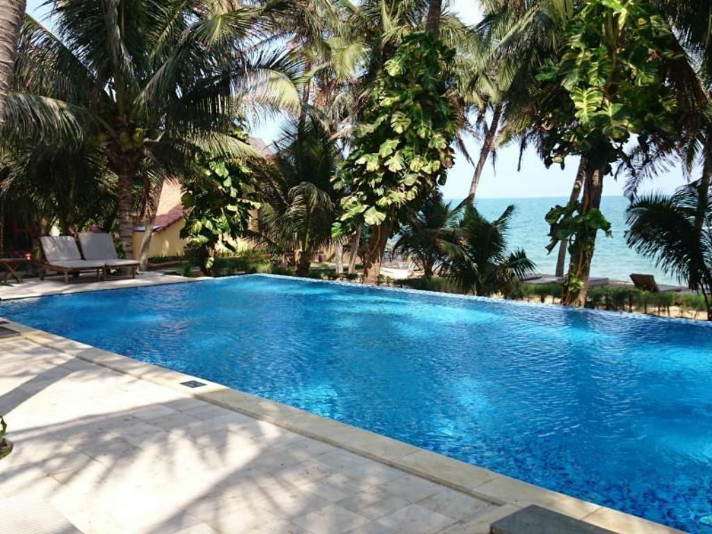 Sunshine Beach Resort in Phan Thiet  Room Deals Photos