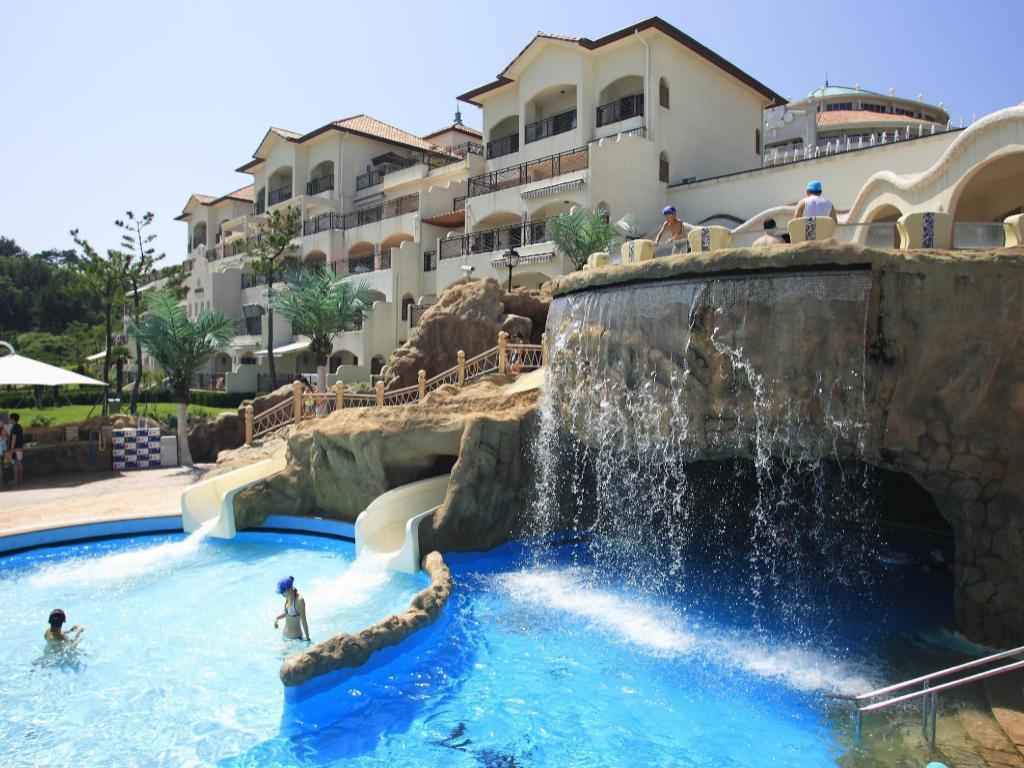 Beach Hotel - room photo 3057147