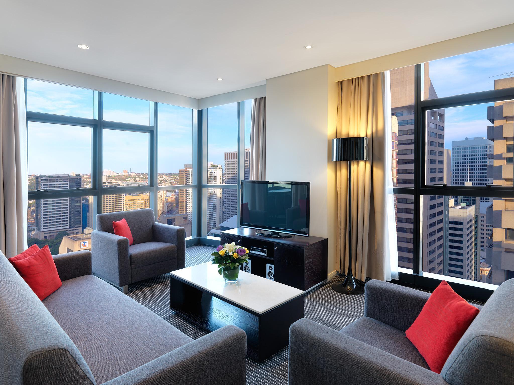 Best Price on Meriton Suites Pitt Street in Sydney + Reviews!