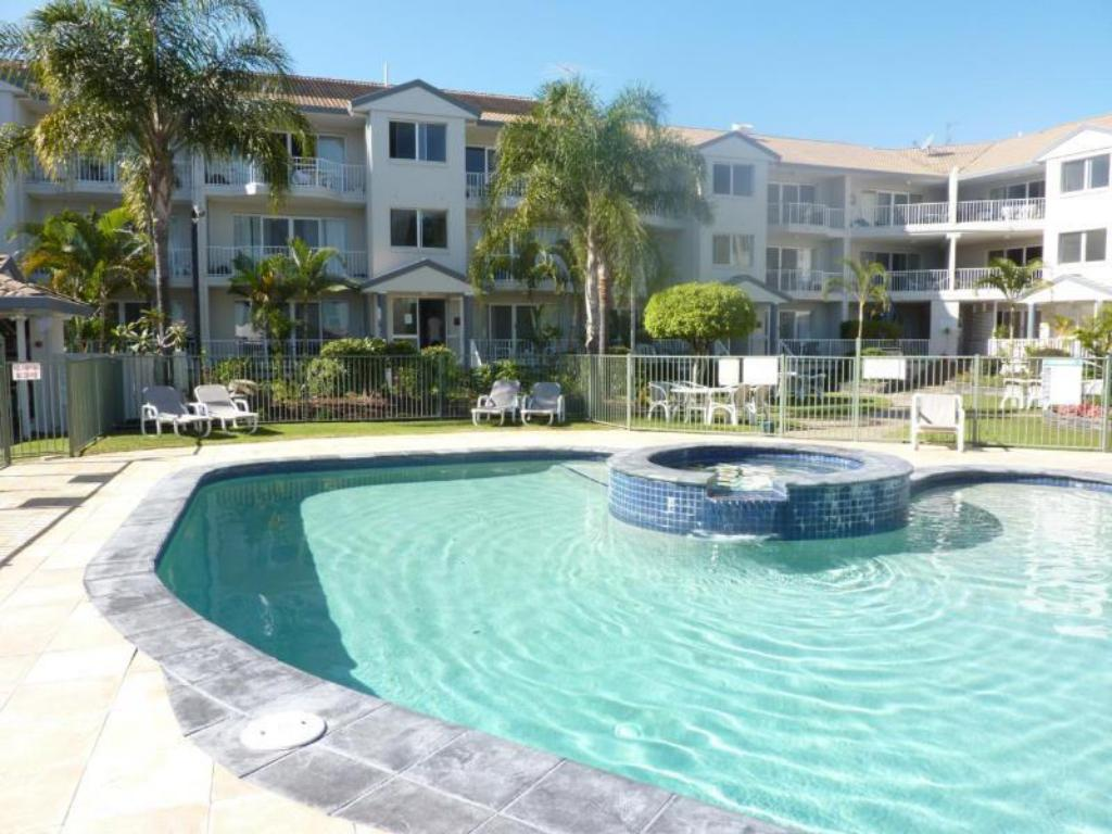 Best Price On Pelican Cove Apartments In Gold Coast Reviews