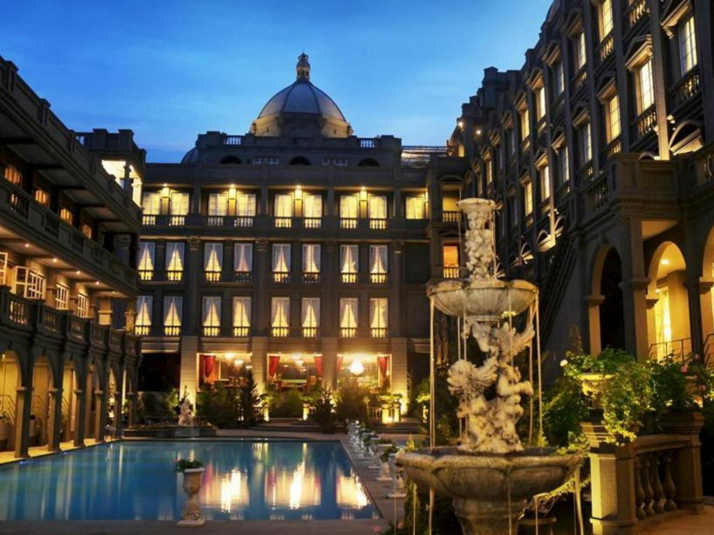Best Price On Gh Universal Hotel In Bandung Reviews