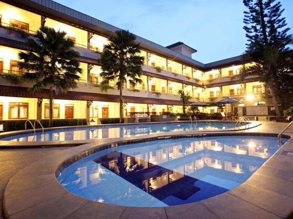 Cakra kembang hotel yogyakarta in indonesia room deals photos reviews for Jogja plaza hotel swimming pool