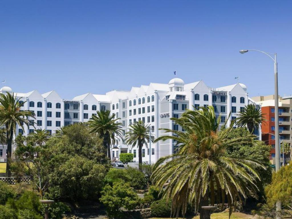 Best Price on Novotel Melbourne St Kilda Hotel in