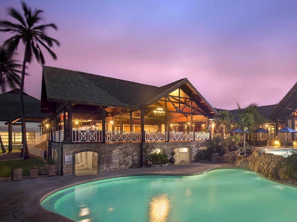 La Beach Hotel Deals