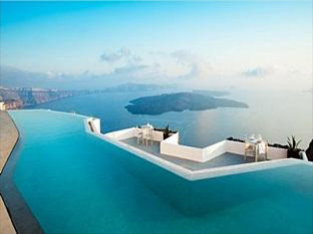 Most Luxurious Hotel In Santorini