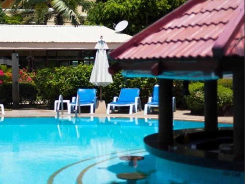 Swiss palm beach hotel in phuket room deals photos - Palm beach swimming pool ...