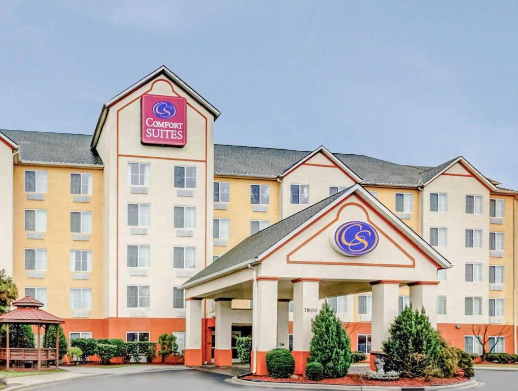 More About Comfort Suites Concord Mills
