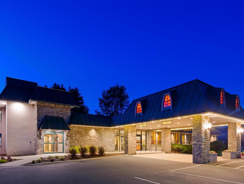 More About Best Western Plus Waterbury Stowe