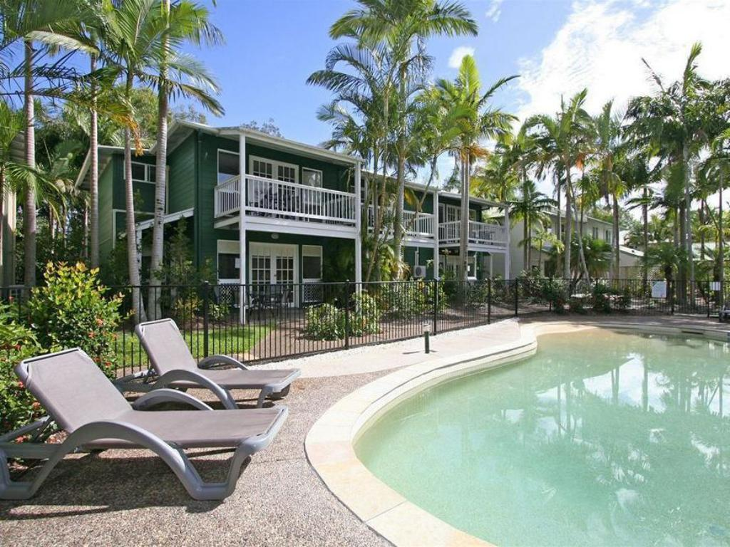 More About Coral Beach Noosa Resort