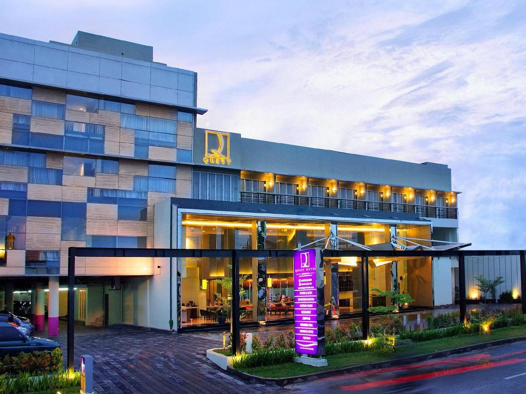 More About Quest Hotel Semarang