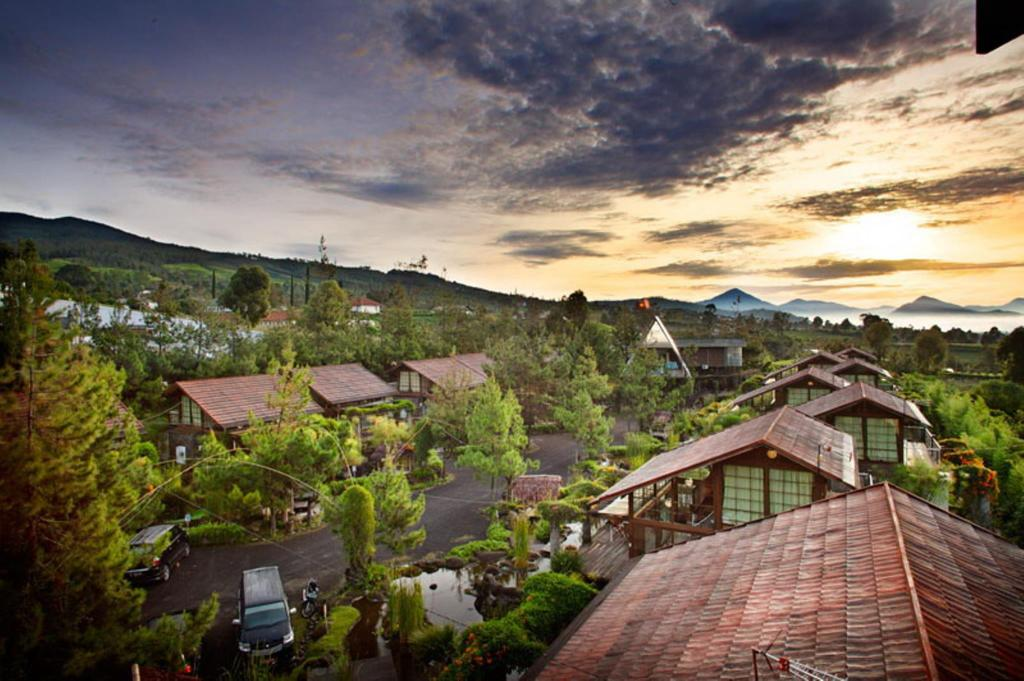 Vila Air Natural Resort Lembang in Bandung - Room Deals ...