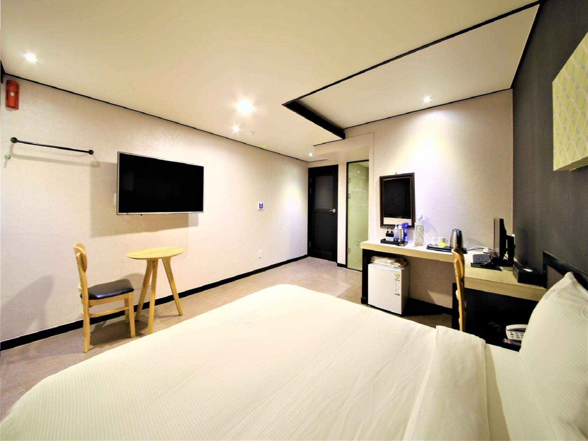 Best price on elysee hotel busan in busan reviews for Boutique hotel ytt nampo