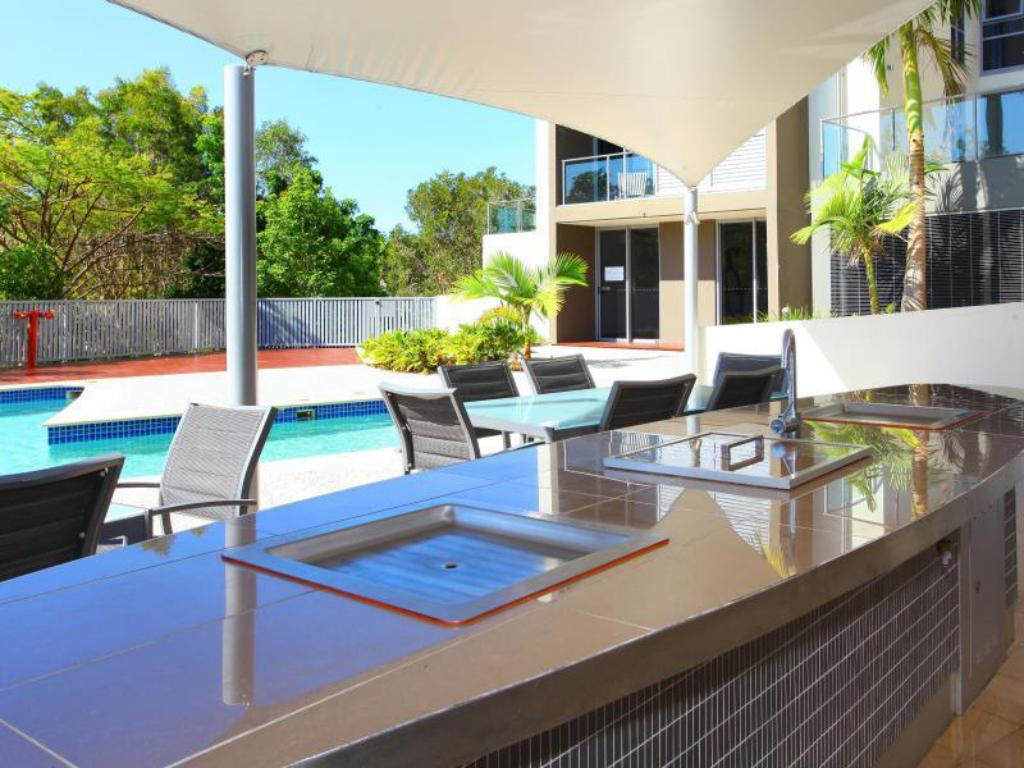 Best Price On Signature Waterfront Apartments In Gold Coast Reviews