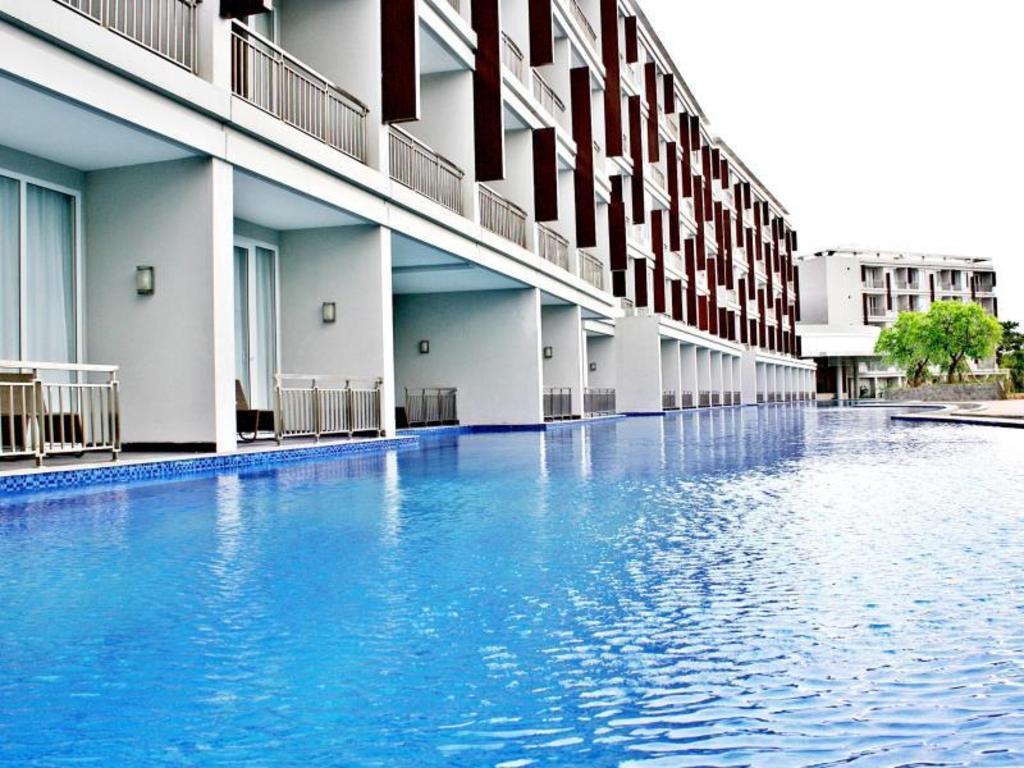 Best Price On R Hotel Rancamaya In Bogor Reviews