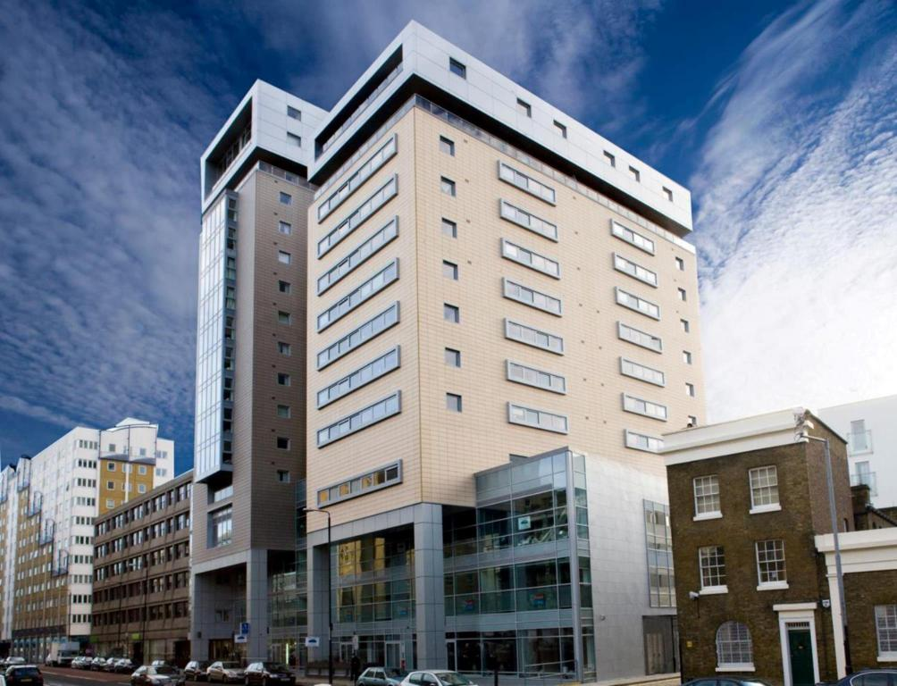 Best Price on Marlin Apartments Tower Bridge - Aldgate in London + ...