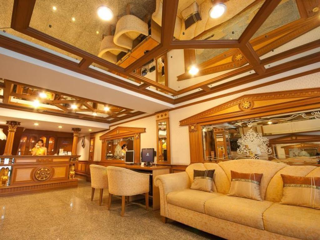 Golden House In Bangkok Room Deals Photos Amp Reviews