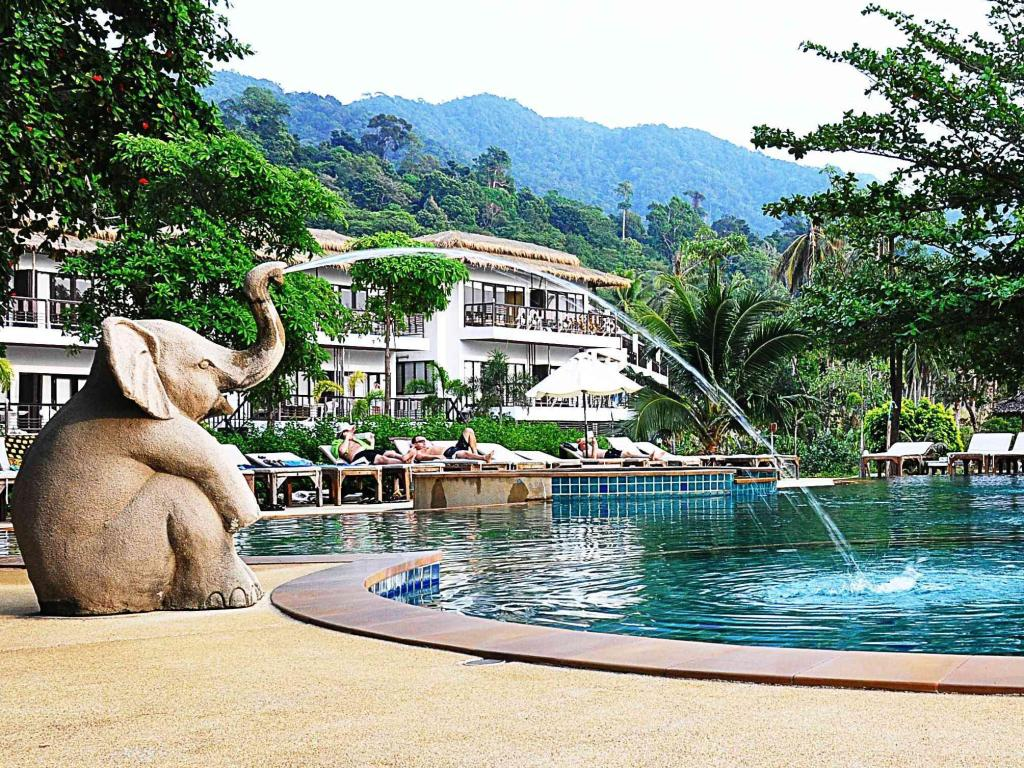 More About Siam Beach Resort