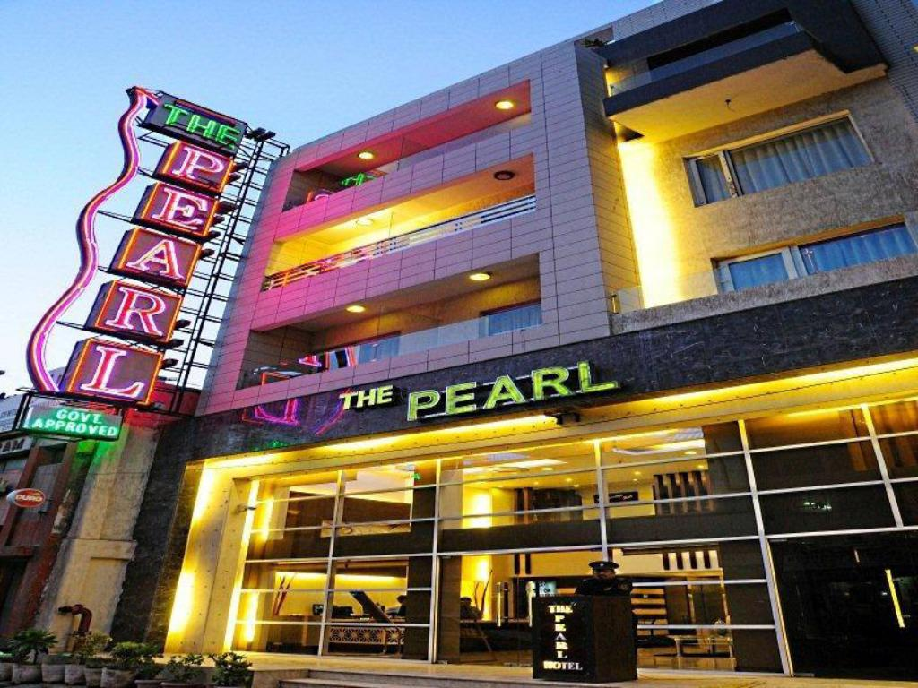 Hotel deals in ncr