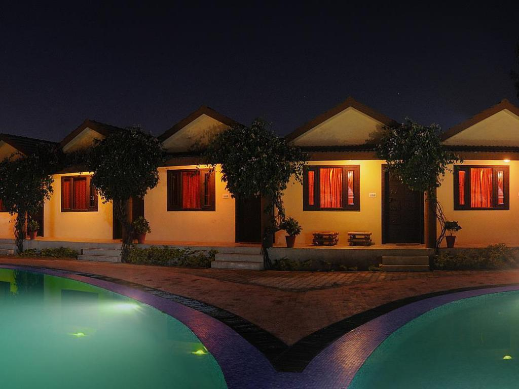 Best Price on Kanchan Kesari Village Resort in Jaipur + Reviews