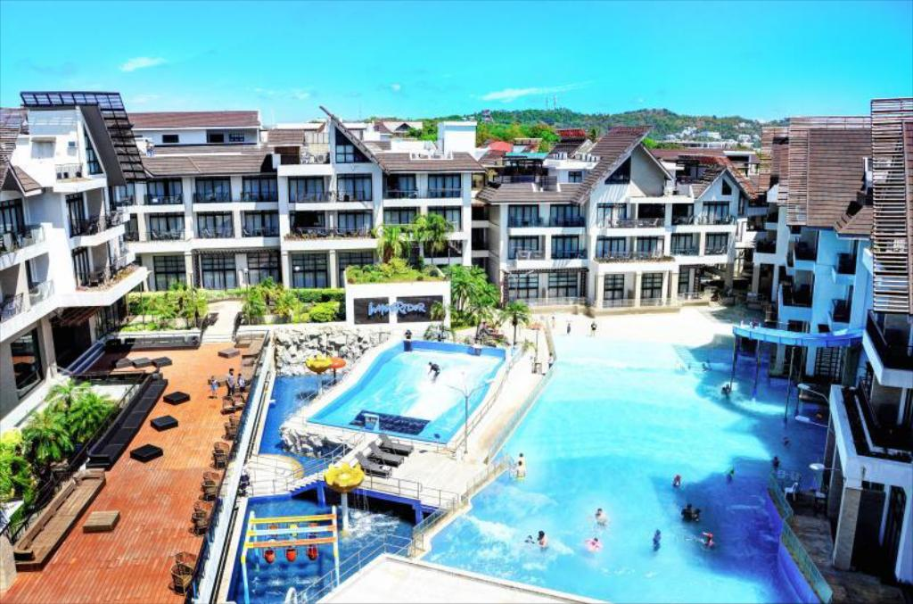 Crown Regency Beach Resort