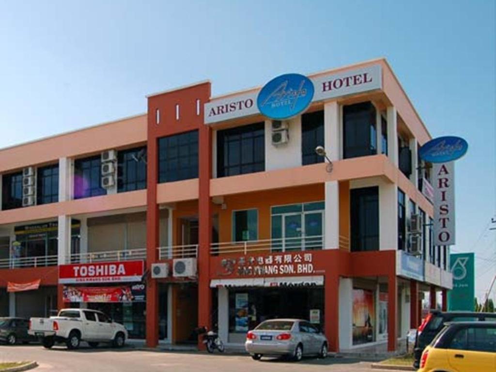 More About Aristo Hotel Putatan