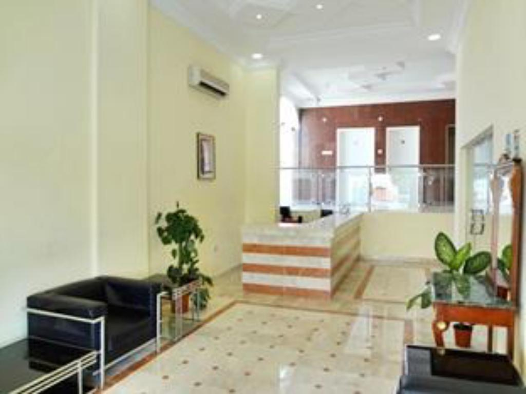 Al Faisal Hotel Suites in Sur - Room Deals, Photos & Reviews